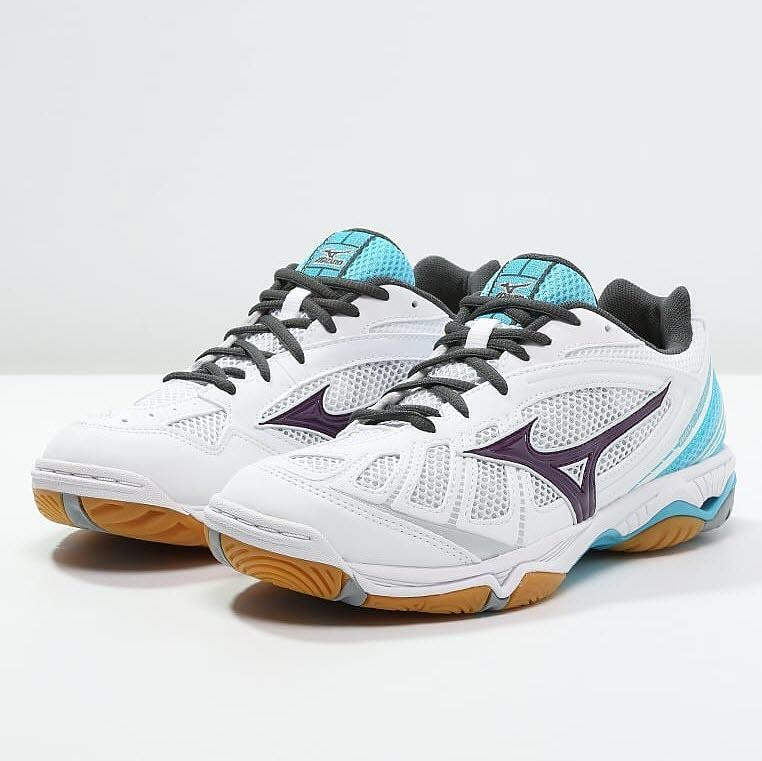 Mizuno Wave Hurricane Women